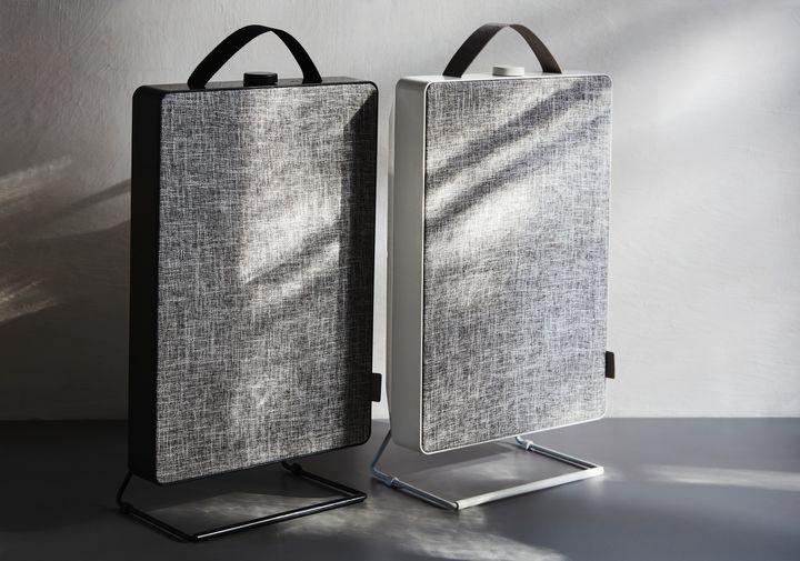 FÖRNUFTIG/フォルヌフティグ ブラック/ホワイトの2色展開 各7,999円(税込)※価格は店舗によって異なる場合あり