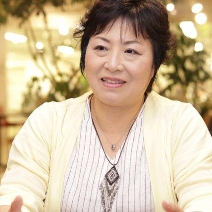 3分で子どもが泣き止む、辻直美先生が伝授する正しい「まぁるい抱っこ」の方法