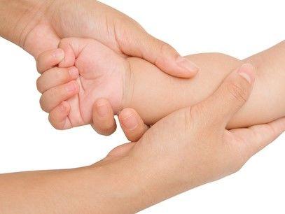 子どもの腕