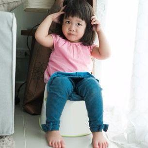 3歳のトイレトレーニングのやり方とコツ。オムツがまだ取れてないのは遅い?
