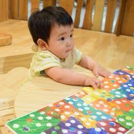 男の子へ絵本のプレゼント。年齢に合った選び方のコツと楽しめるポイント