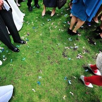 結婚式のご祝儀はいくら包む?年齢別で見るご祝儀の相場と、おさえておきたいマナー