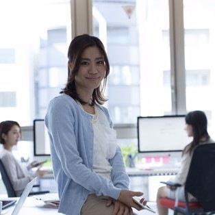 妊娠して仕事を辞める時期やタイミング。妊娠後にかかるお金・制度を紹介