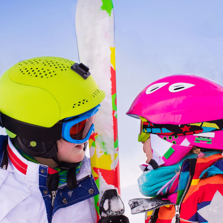 自転車用とは違う?子どものスキーヘルメットの必要性とおすすめの選び方