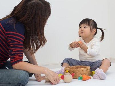 ママと1歳の女の子