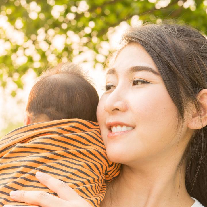 育児休業給付金(育休手当)の計算・申請方法、支給日や期間など基本知識を紹介。