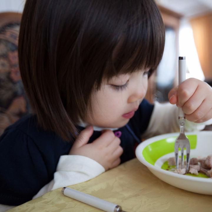 子どもの食事時間を快適にする、子ども用ダイニングチェアについて