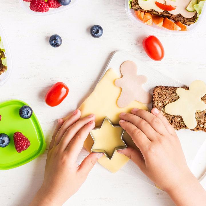 幼児の定番お弁当メニューのアレンジ法。サンドイッチ、オムライス、ハンバーグなど