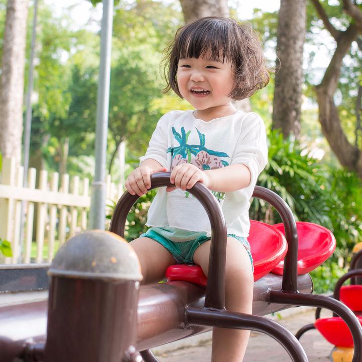 好奇心を伸ばしてあげたい、4歳児の外遊びにおすすめの運動やおもちゃ