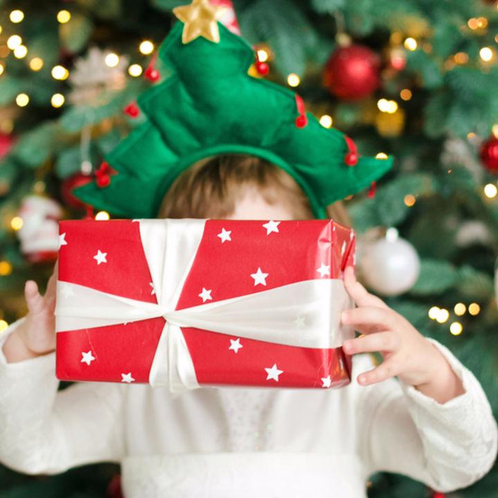 2歳児のクリスマス。プレゼントの選び方や、子どもが喜ぶ渡し方