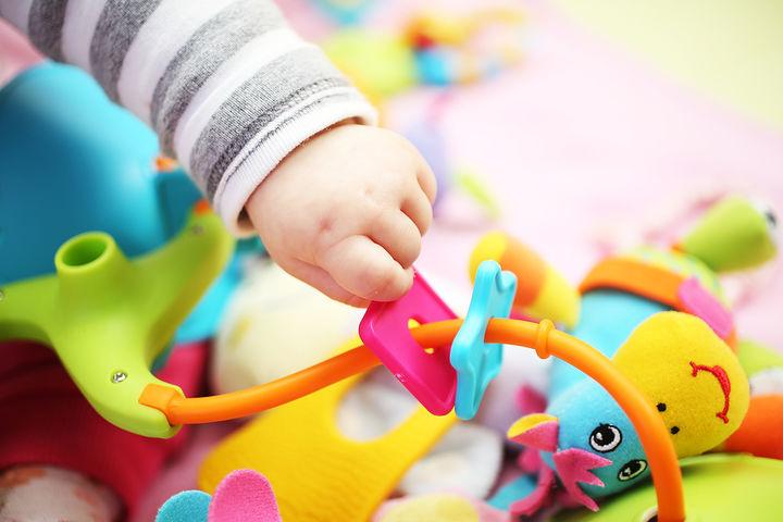 赤ちゃんの指先