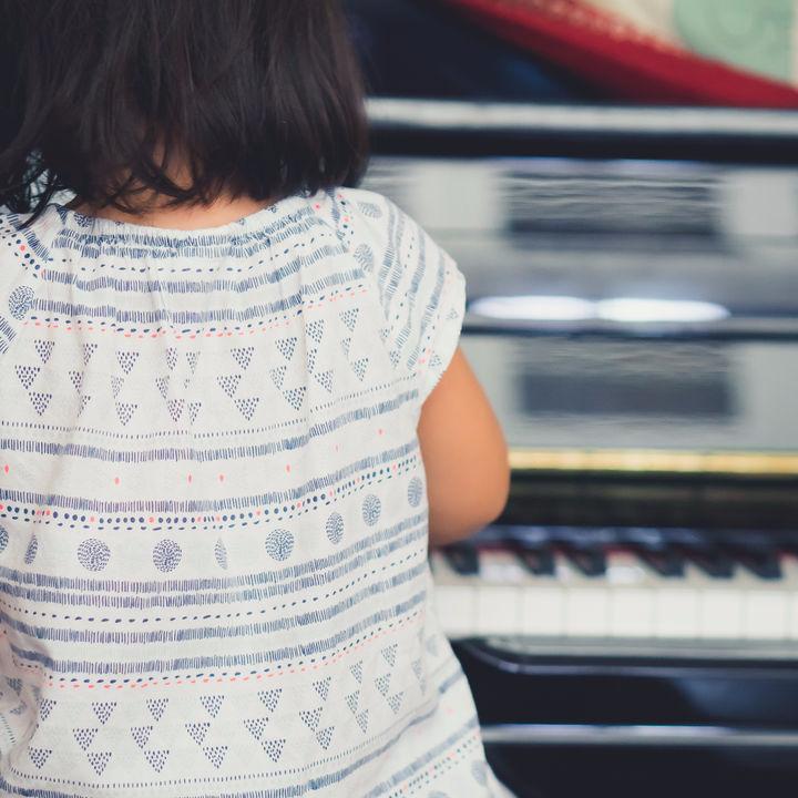 子どもの習い事の選び方。習い事の送迎時間や数の平均を調査