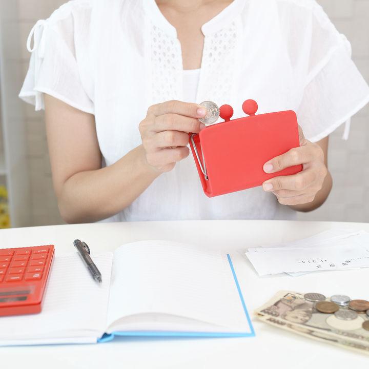 やりくりができない家計、財布やクレジットカードの管理で貯蓄を増やすには