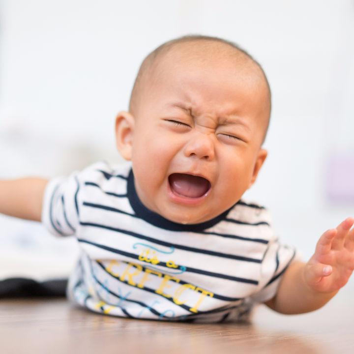 産後の悩み、夜泣きはいつから?双子ママ、男の子ママ、実際の体験談