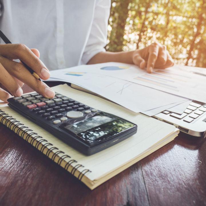 大まかな収支を把握。1円単位切り捨てで手軽にはじめる家計管理