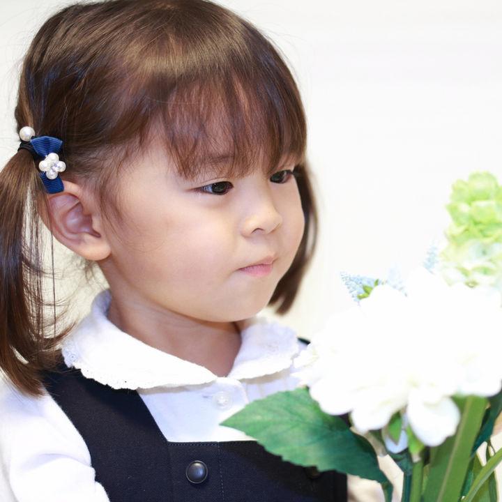 結婚式に子どもと参列。子どものドレスや靴、どうする?服装のマナーを確認しよう