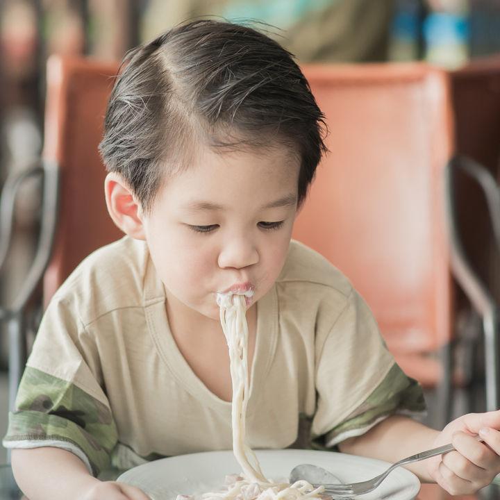 4歳、5歳、6歳の食事マナーとは。教えておきたいことなどの体験談