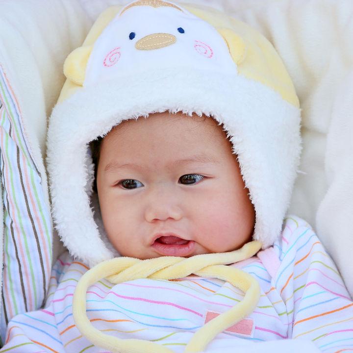 肌着やアウターはどうする?新生児の冬のウエア選びや過ごし方のコツ