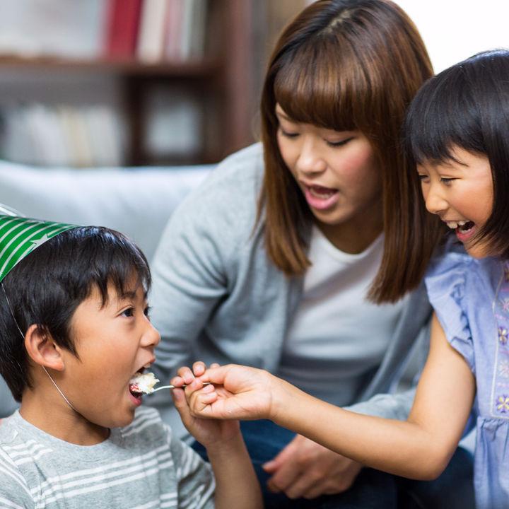 子どもが友だちの家に遊びに行く、誕生日会に招待されたときのマナーについて