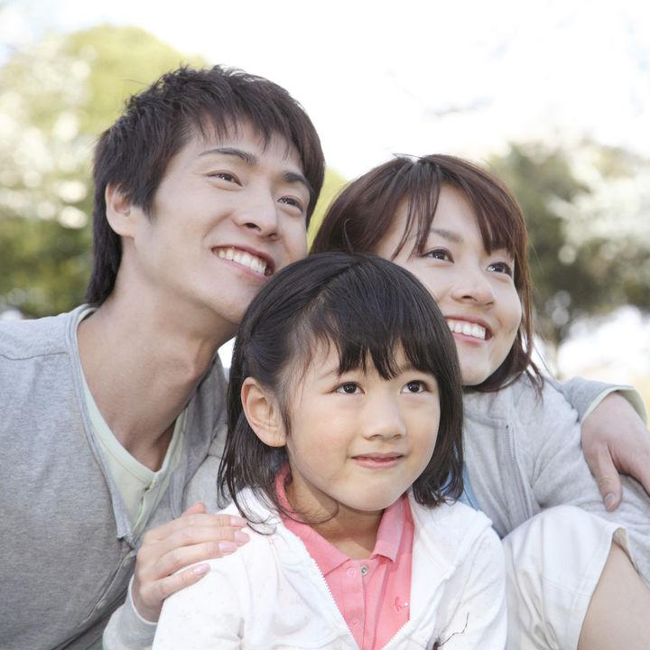 保険の種類を一覧で紹介。終身保険や生命保険など、子育て中の家庭にかかわる保険とは