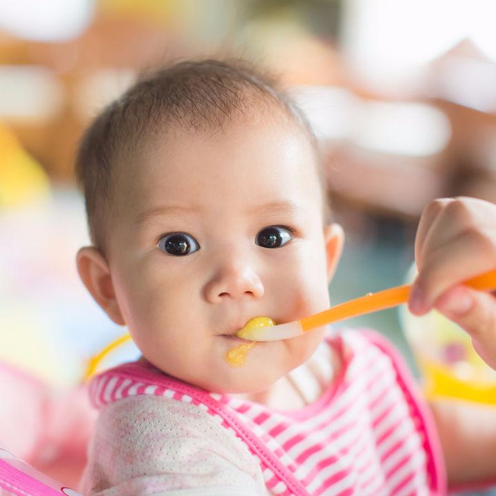 離乳食はいつから?小松菜の離乳食時期別の進め方とアイディア