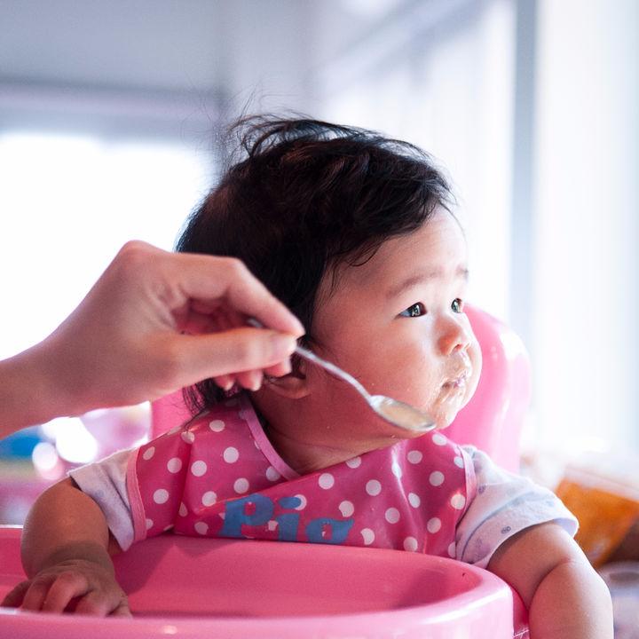 離乳食はいつから?マカロニの離乳食時期別の進め方とアイディア