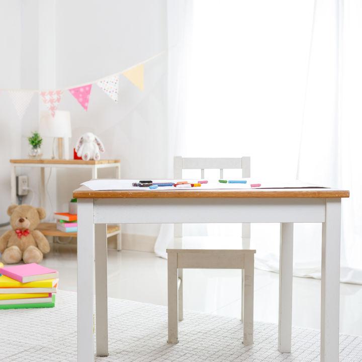 子ども用の机と椅子について。種類別に選ぶポイントや使い心地