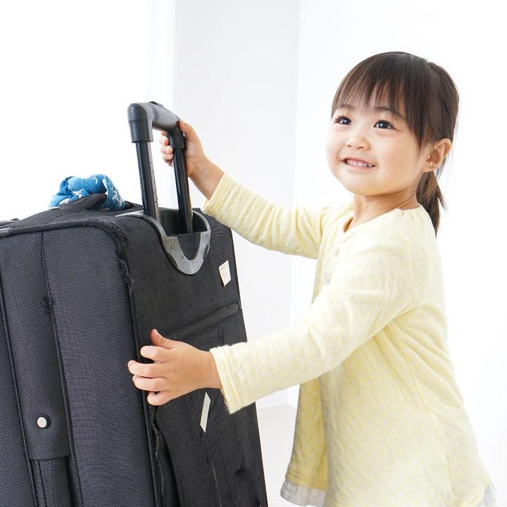 子どもとの旅行は何歳から?いつから行ったか、おすすめのバッグなどを調査