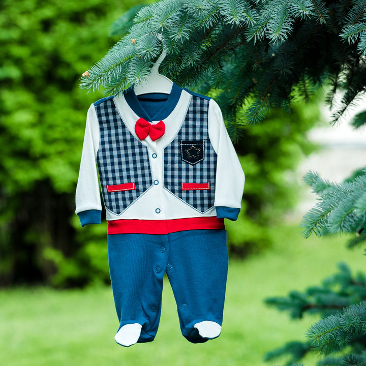 フォーマルな子ども服の選び方。スーツやシャツ、ワンピースなど