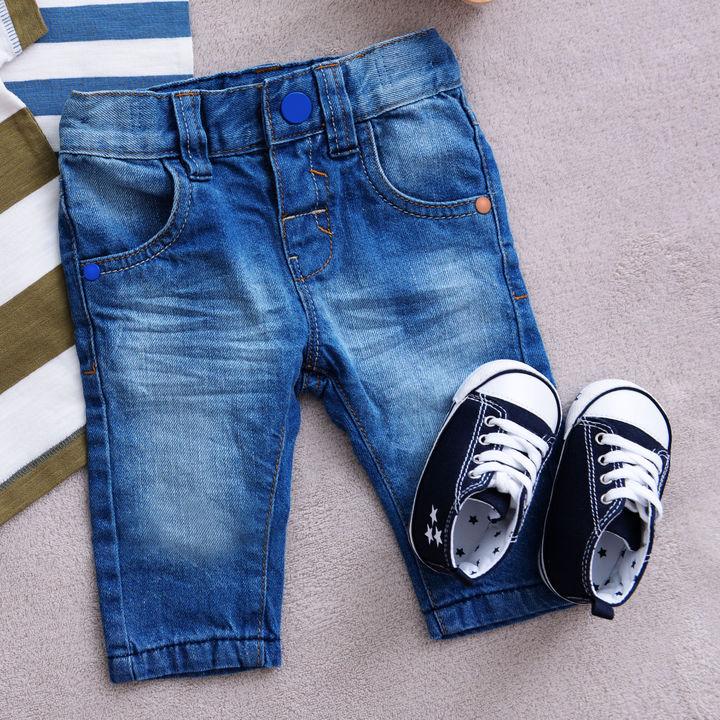 子ども服のボトムスの選び方。キッズ用パンツ、デニムズボンやジーンズなど