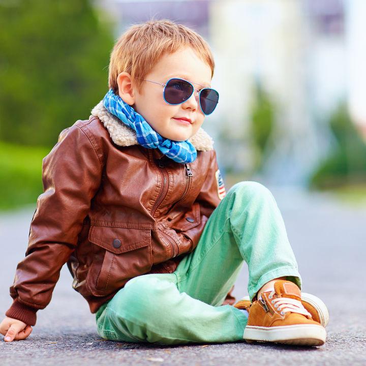 キッズ用ジャンパーの年齢別の選び方。ミリタリージャケットやスタジャンなど