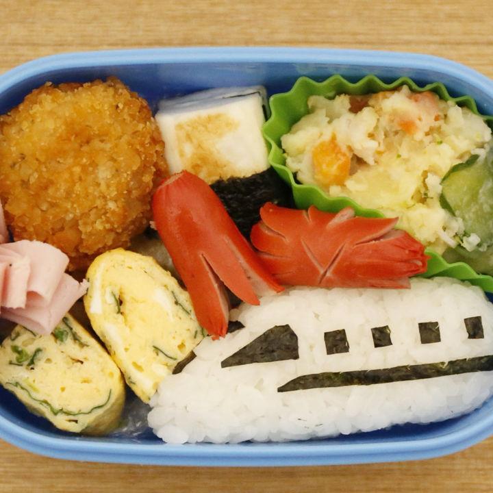 元幼稚園教諭が見た男の子が喜ぶ幼稚園のお弁当。簡単おかずやグッズ
