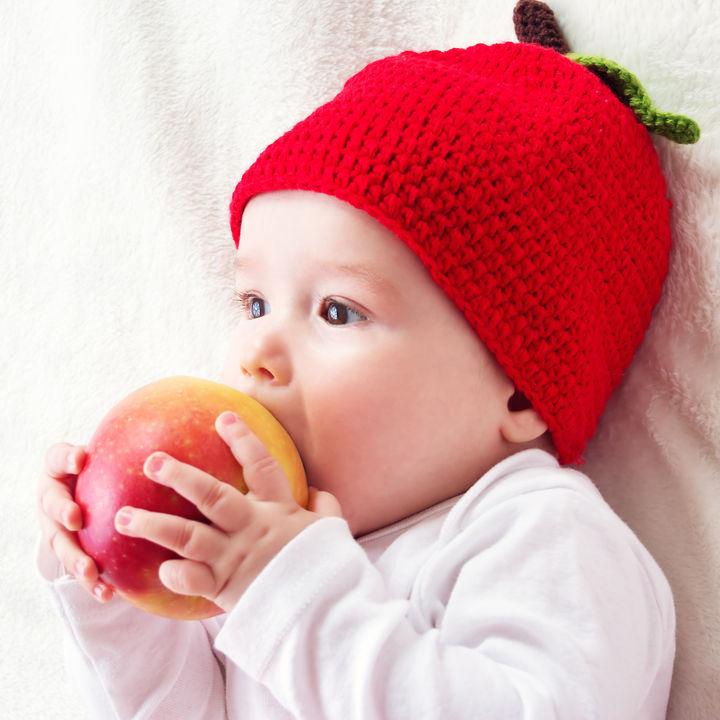 離乳食中期はいつから?進め方や食事量の目安など気をつけること