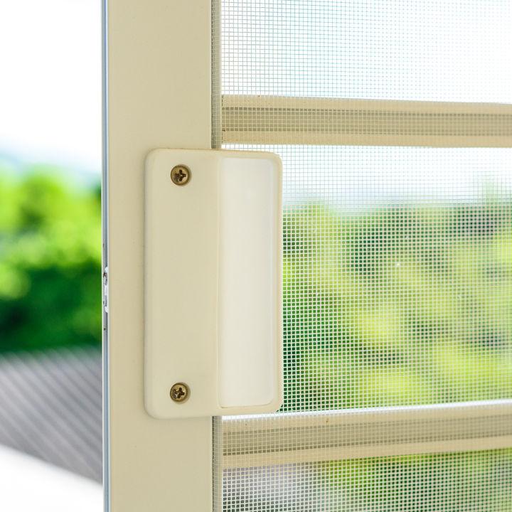 網戸掃除のやり方。水洗いの仕方や外さず行う方法、窓サッシのお掃除方法とは