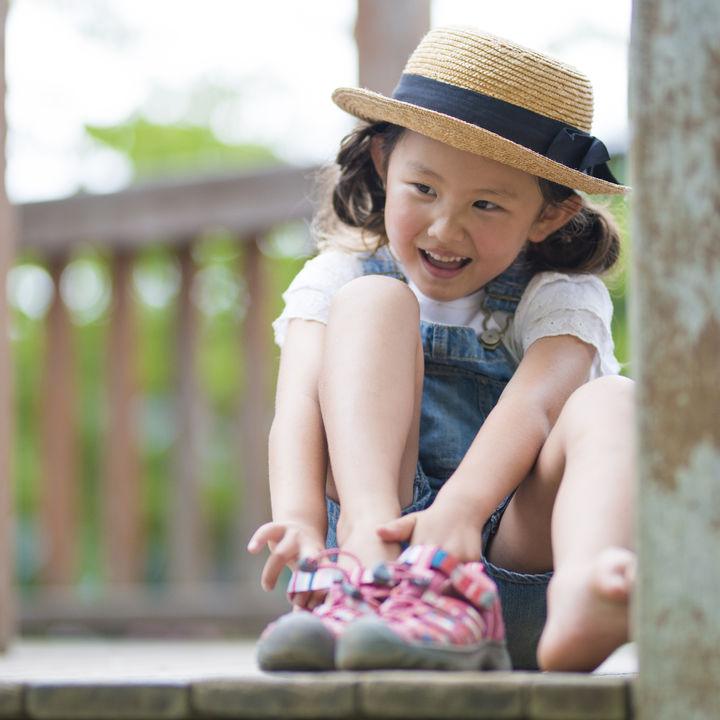 5歳の子どもの外遊びグッズ。海遊びや公園、砂場で子どもが遊べる道具
