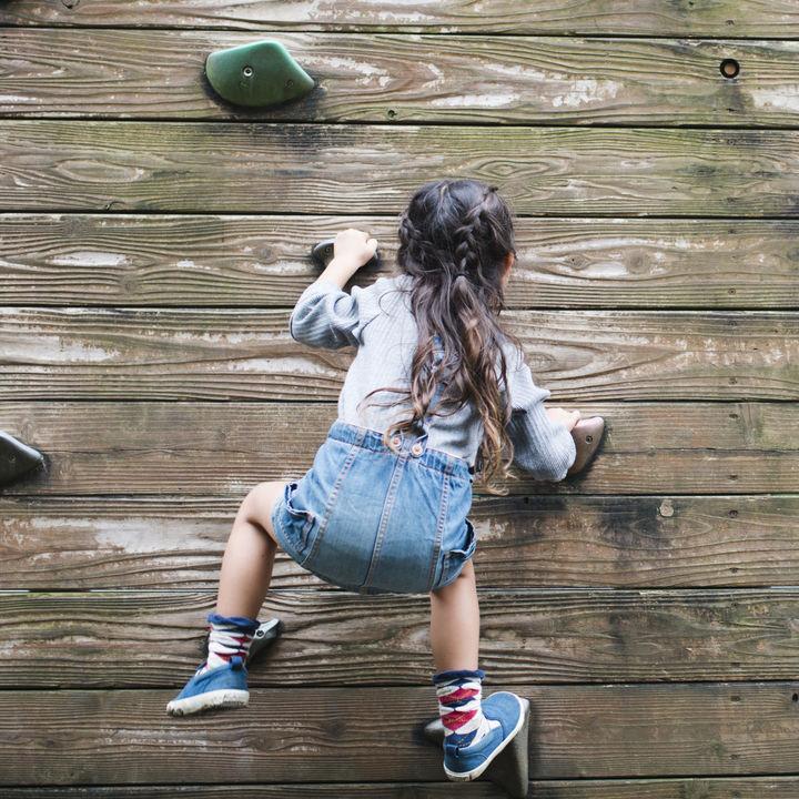 幼児や小学生の女子に人気のスポーツ系の習い事。子ども向けの珍しい種のものや選び方