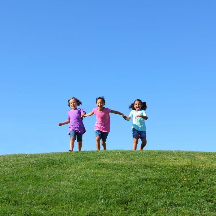 6歳児が3人でできる遊び。公園やアウトドア、室内でできる遊び方