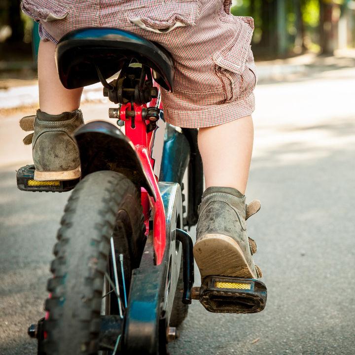 子どもの自転車の練習方法。乗り方や教え方のコツは
