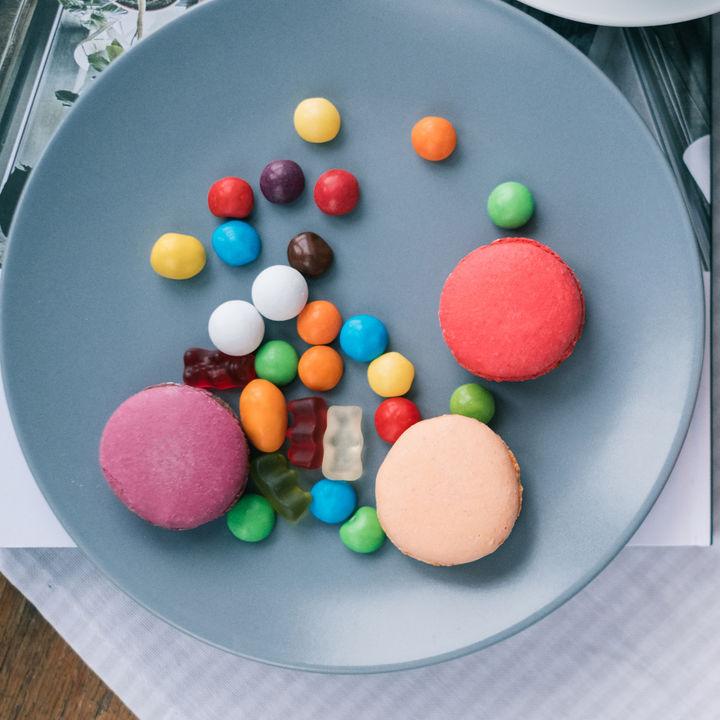 子どもの友だちを家に呼ぶときのお菓子選び。お菓子の種類や選び方のポイント