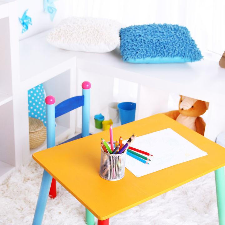キッズ用折りたたみテーブルの種類や使い方。ダイニングなど使う場所に合わせた選び方