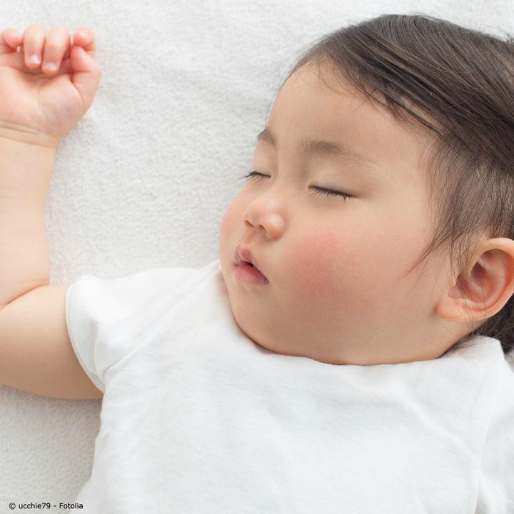 子どもの肌着はいつまで必要?人気の種類や色、サイズや選び方