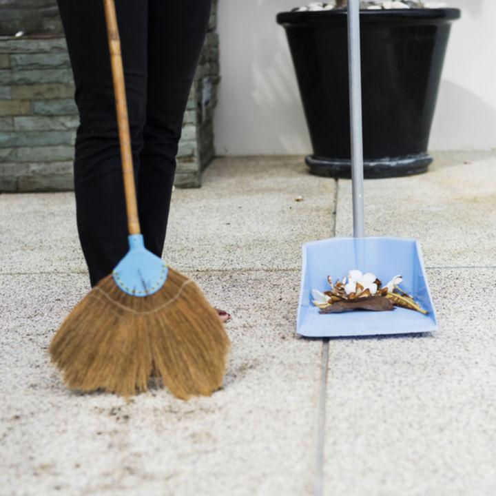 ベランダのタイルを簡単、きれいに掃除するコツ