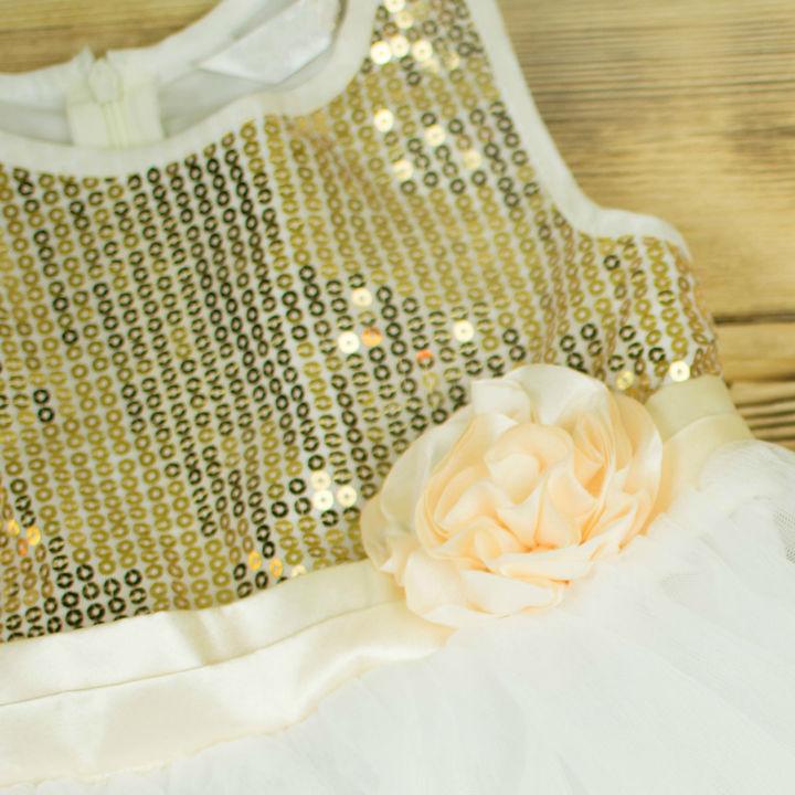 キッズ服のトップスに使われるスパンコール。特徴や着るシチュエーションとは