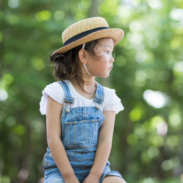 キッズ用スカートのオーバーオール。年齢別に合う素材や選び方など
