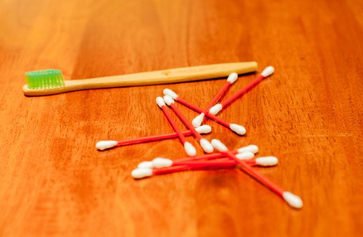 歯ブラシと綿棒