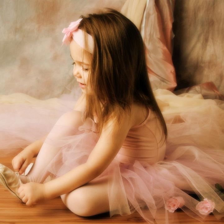 キッズバレエ用スカートの種類や合わせ方。素材を選ぶ際の注意点や選び方など