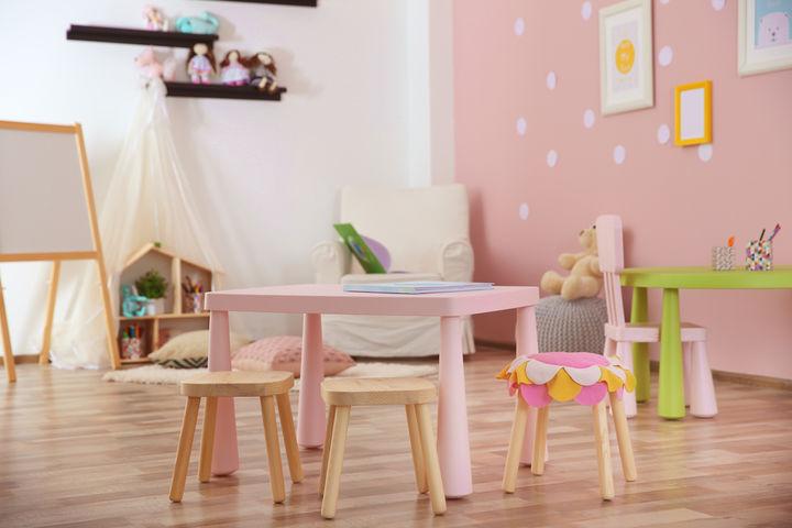 子ども部屋のテーブル