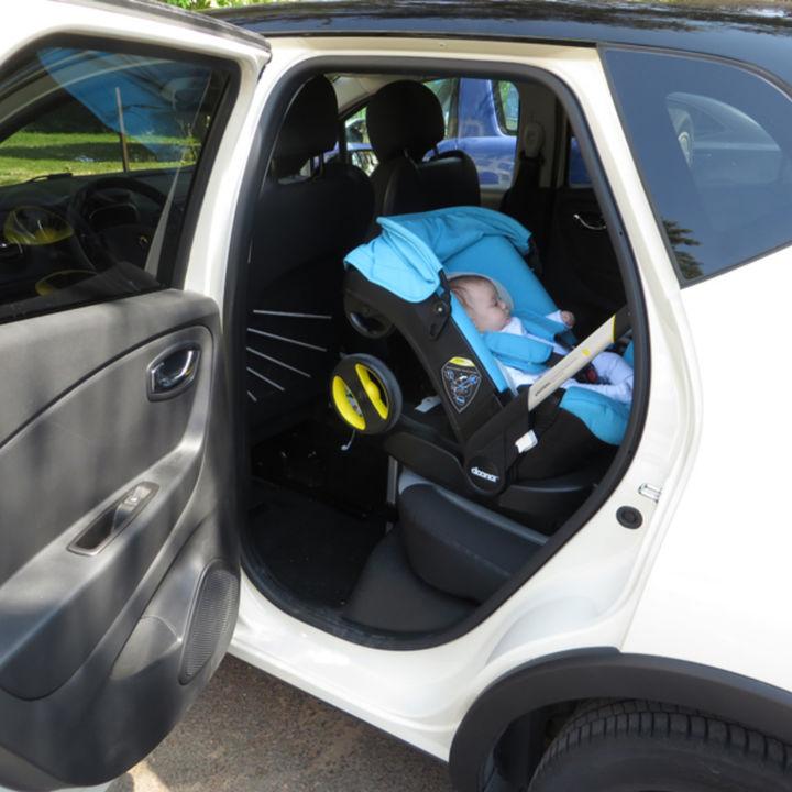 生後2カ月の赤ちゃんとの車移動。車で外出するときの時間や準備しておくとよいもの
