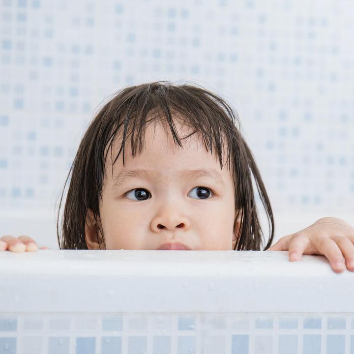 お風呂を簡単に掃除する方法。あると便利なグッズや掃除のコツとは
