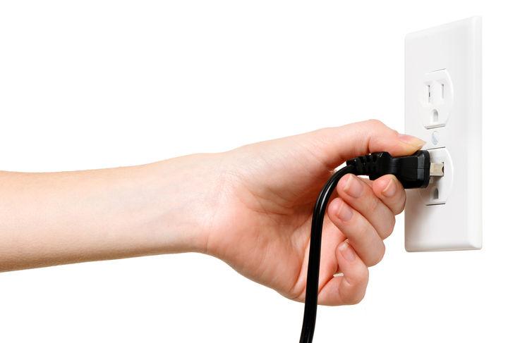 電源プラグを抜く